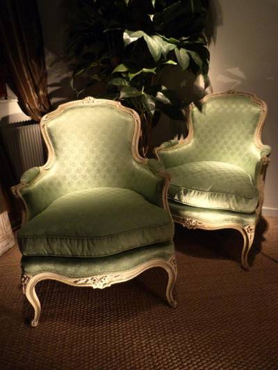 Pair of Fine, French, Louis XV style, crème painted bergere