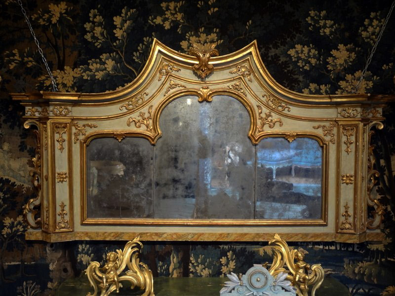 Fine, Venetian, Baroque period overmantle mirror