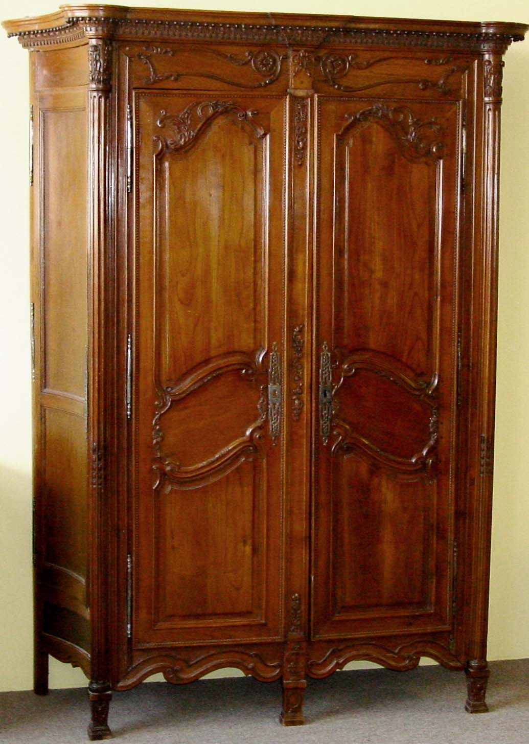 Charming French, Neoclassical, Period Armoire De Chasse