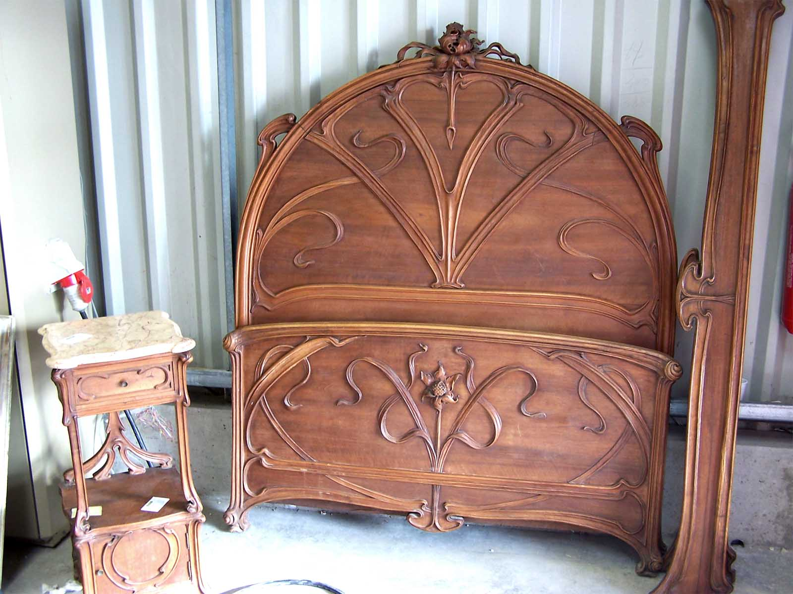 french art nouveau furniture