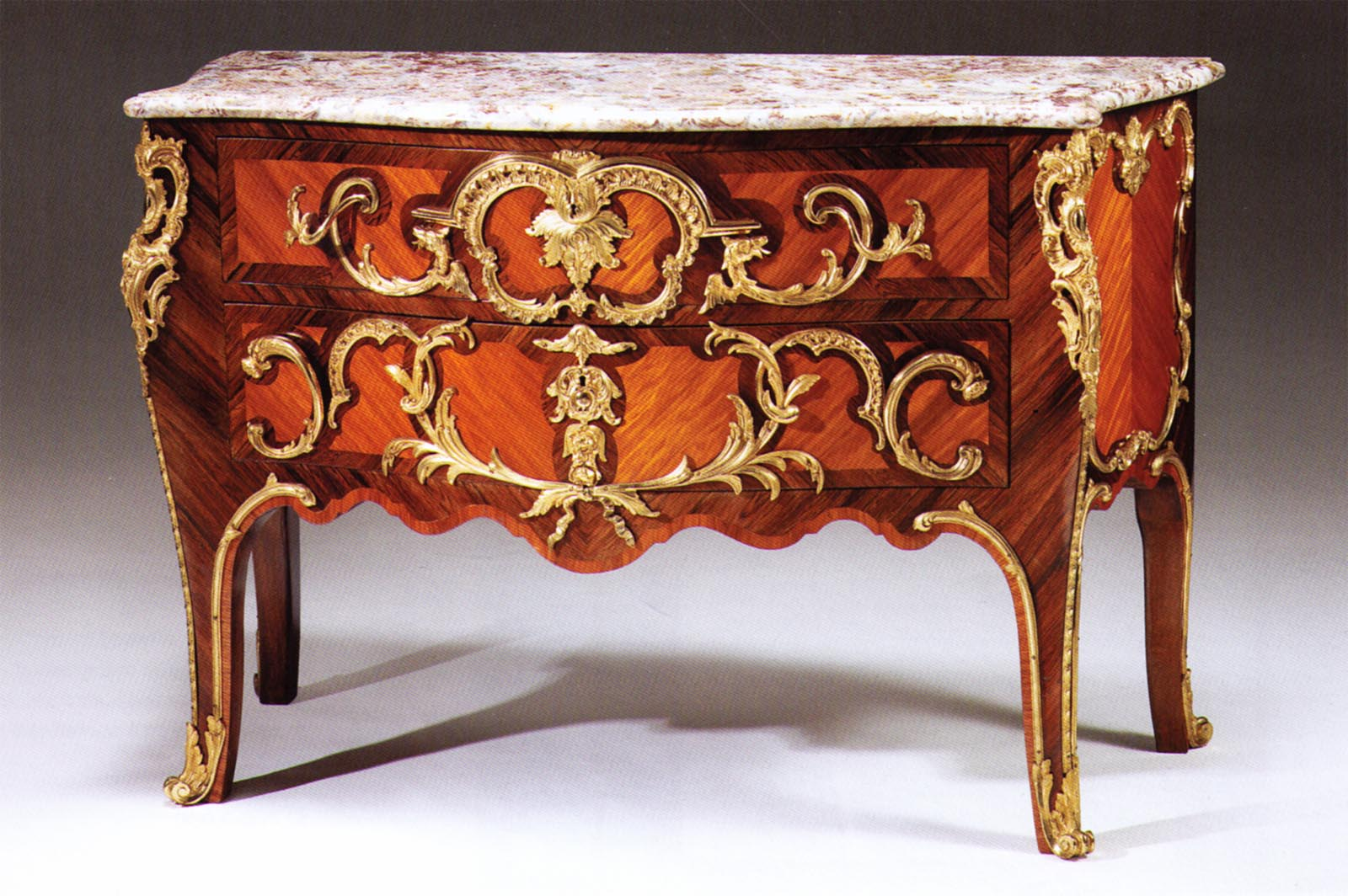 very fine louis xv style kingwood amaranth and gilt bronze mounted commode. Black Bedroom Furniture Sets. Home Design Ideas