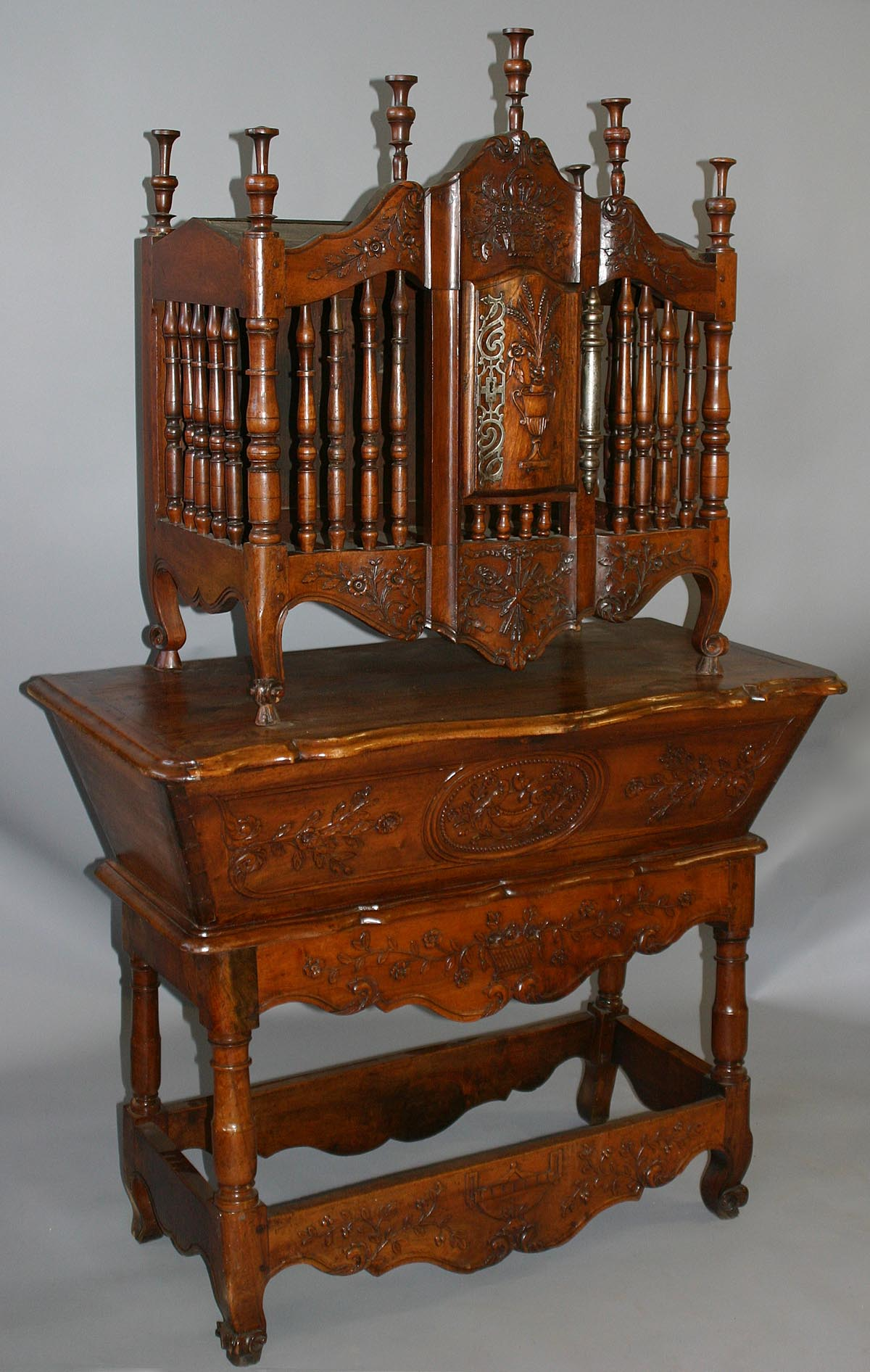 Very fine, French, Louis XV period panetiere and petrin ensemble