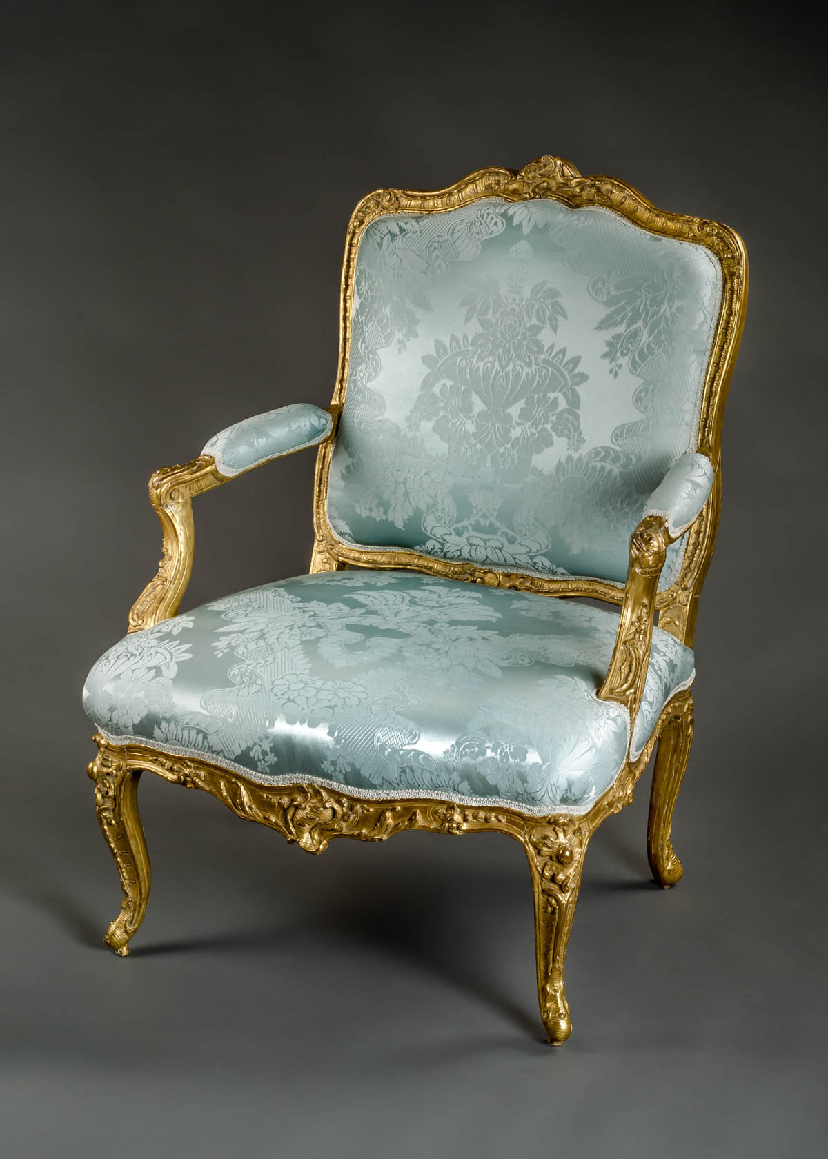 very fine french early louis xv period fauteuil a la reine. Black Bedroom Furniture Sets. Home Design Ideas